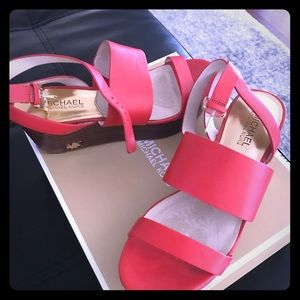 ORANGE MK WEDGES size 7.5